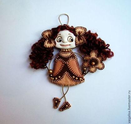 Человечки ручной работы. Ярмарка Мастеров - ручная работа Кукла-брошка Нотка До. Handmade.
