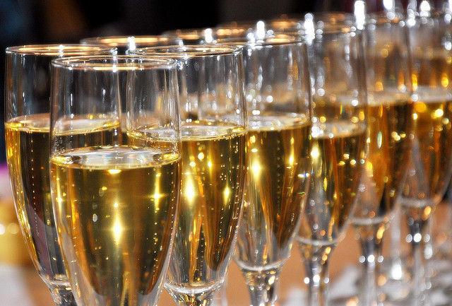 Картинки по запросу шампанское картинка