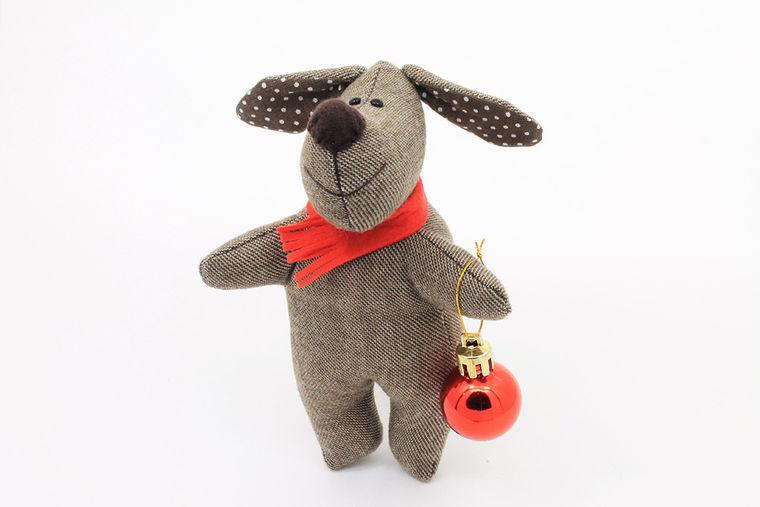 Новогодняя игрушка символ года собаки