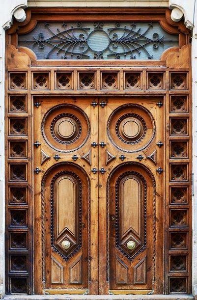 Valencia, Spain, entrance, gate, rustic wooden door, details, ornaments, circles, architechture, culture, photo