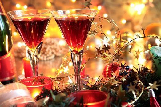Новый год надо встречать весело.