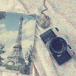 Фотоаппарат и фото эйфелевой башни