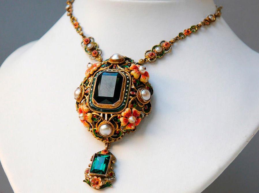 золотые украшения эмалью