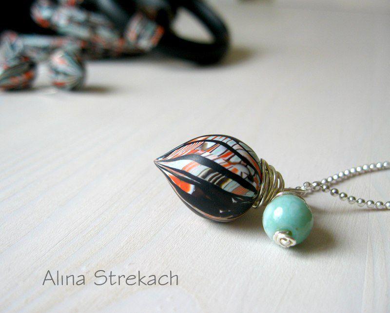 комплект браслетов, сережки из пластики