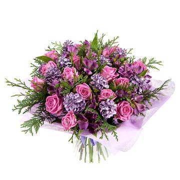 """Букет цветов зимний с розовыми розами - Букет цветов """"Заснеженные розы"""""""