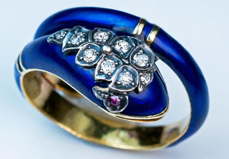 Как делают ювелирные украшения с эмалью