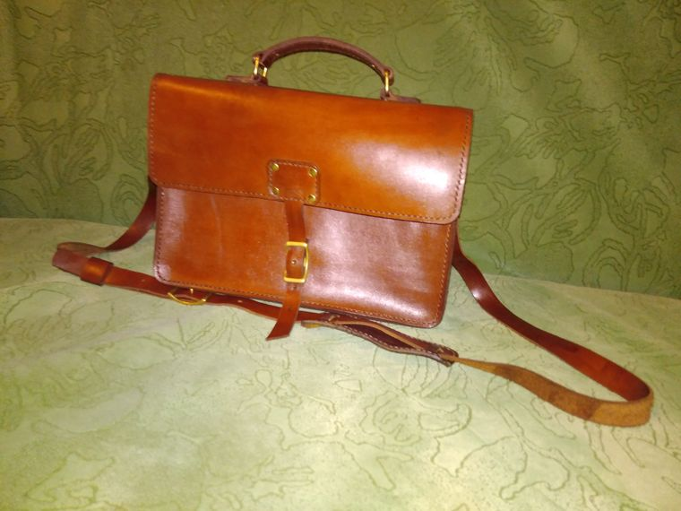 03e0b6750154 Шьем из кожи сумку-унисекс – мастер-класс для начинающих и ...